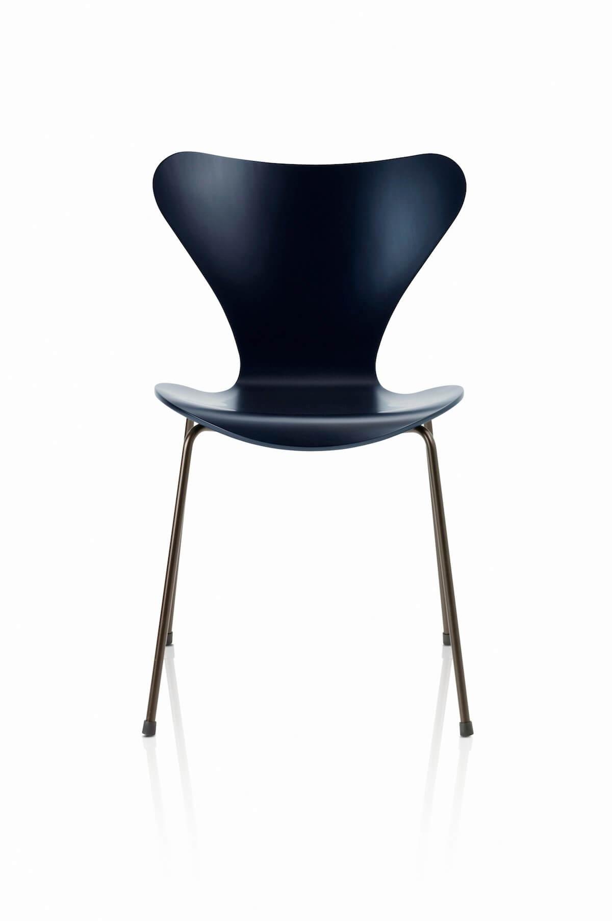 Vlinder Bureaustoel Arne Jacobsen.Anniversary Edition Series 7 Furn 14